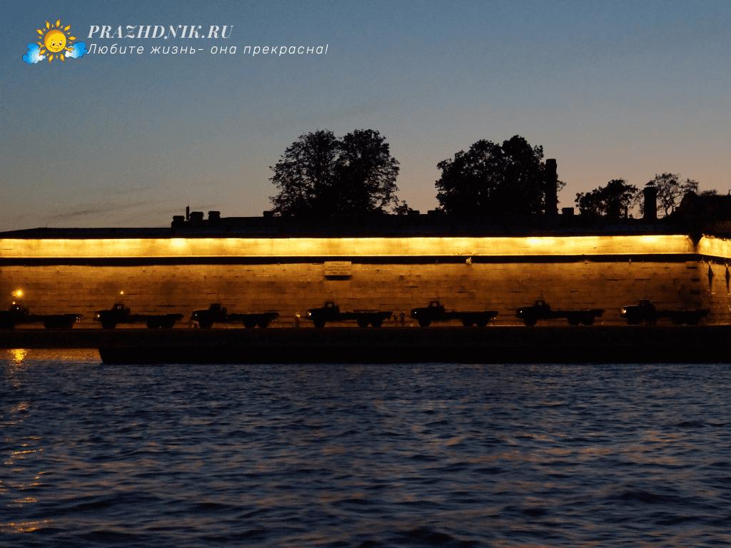 Sankt-Peterburg-noch'yu1