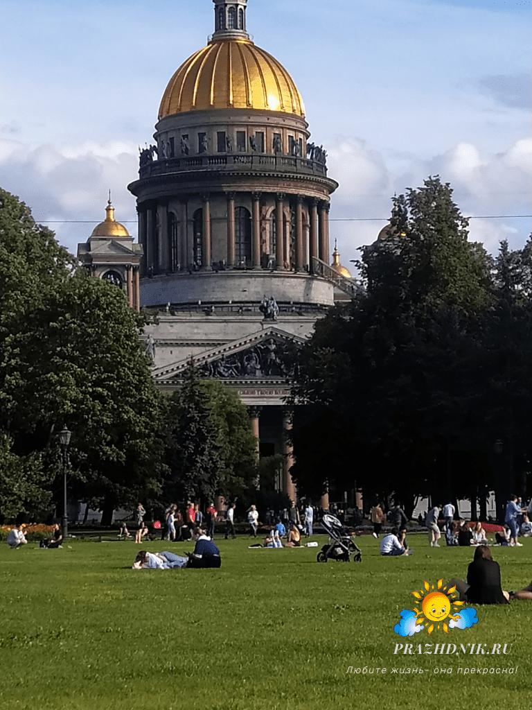 Isaakievskij-sobor-Sankt-Peterburg-2